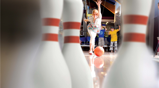 Golden Bowls Ten Pin Bowling Picture 1
