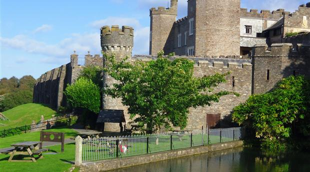 Watermouth Family Theme Park and Castle Picture 1